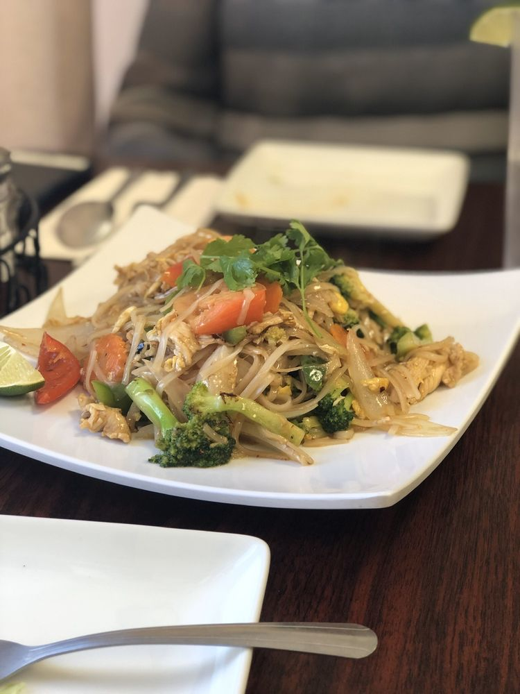 Food from Four J's Diner Laotian & Thai Cuisine