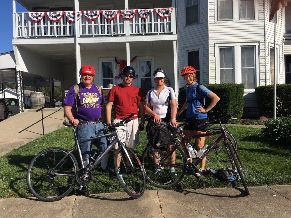 Fitzgerel's Nightly Rentals: 301 W Benton St, Windsor, MO