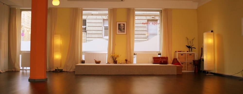 yoga vidya center yoga schlo str 66 stuttgart baden w rttemberg allemagne num ro de. Black Bedroom Furniture Sets. Home Design Ideas