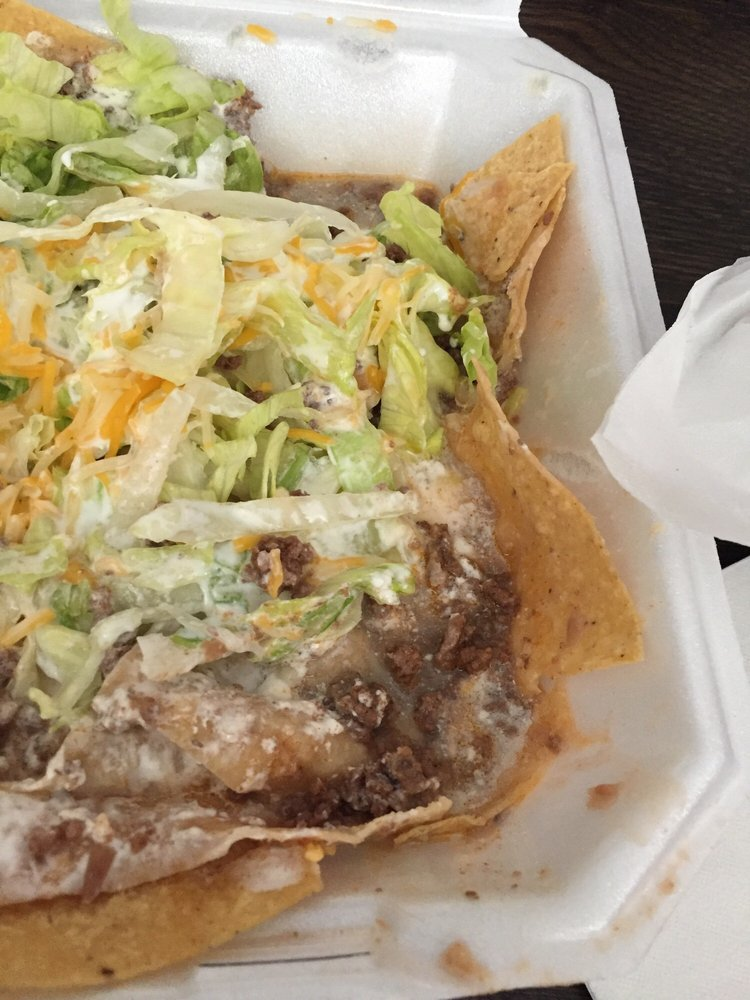 Tacos Y Mas: 552 S Oliver, Wichita, KS