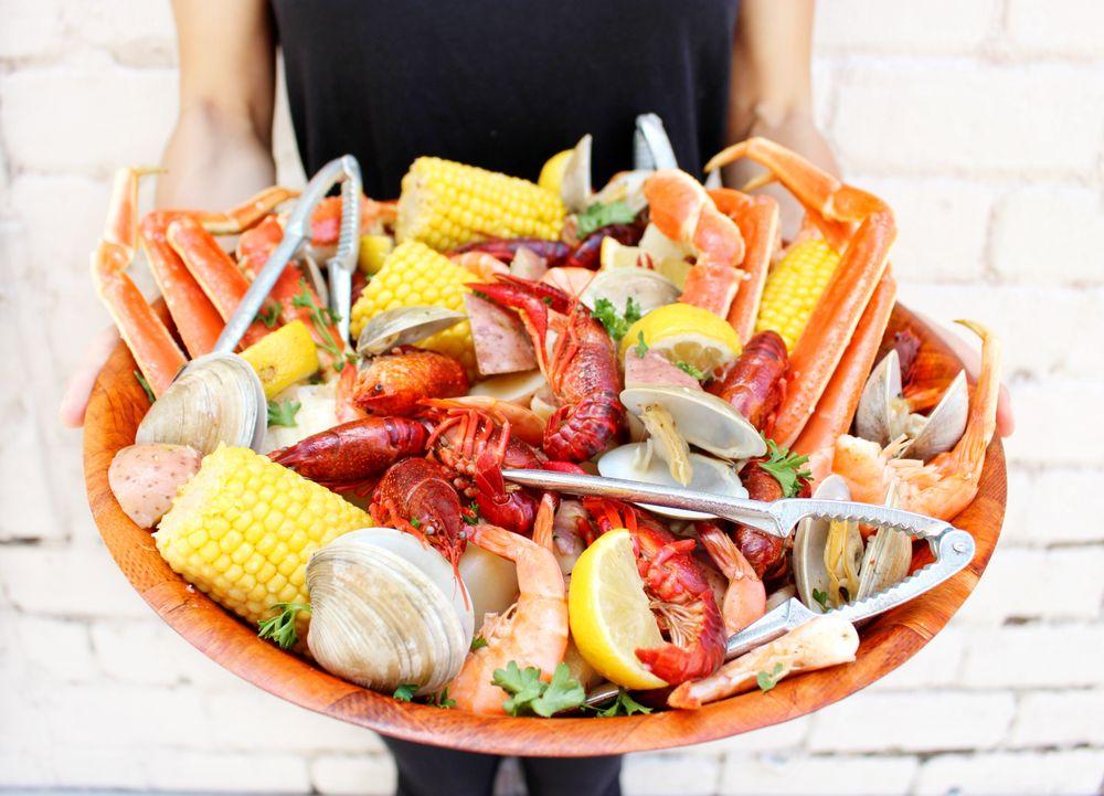 Food from Savannah Seafood Shack