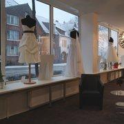 Die Brautboutique 16 Fotos 11 Beitrage Brautmode