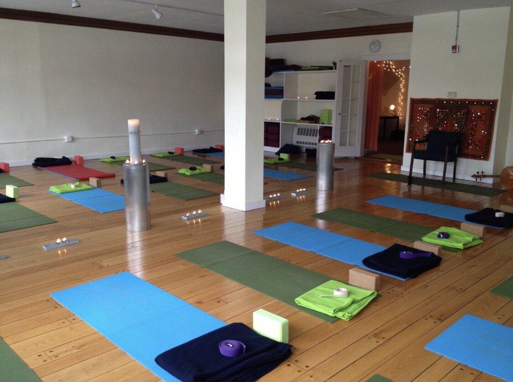 Community Yoga & Wellness Ctr: 16 Federal St, Greenfield, MA