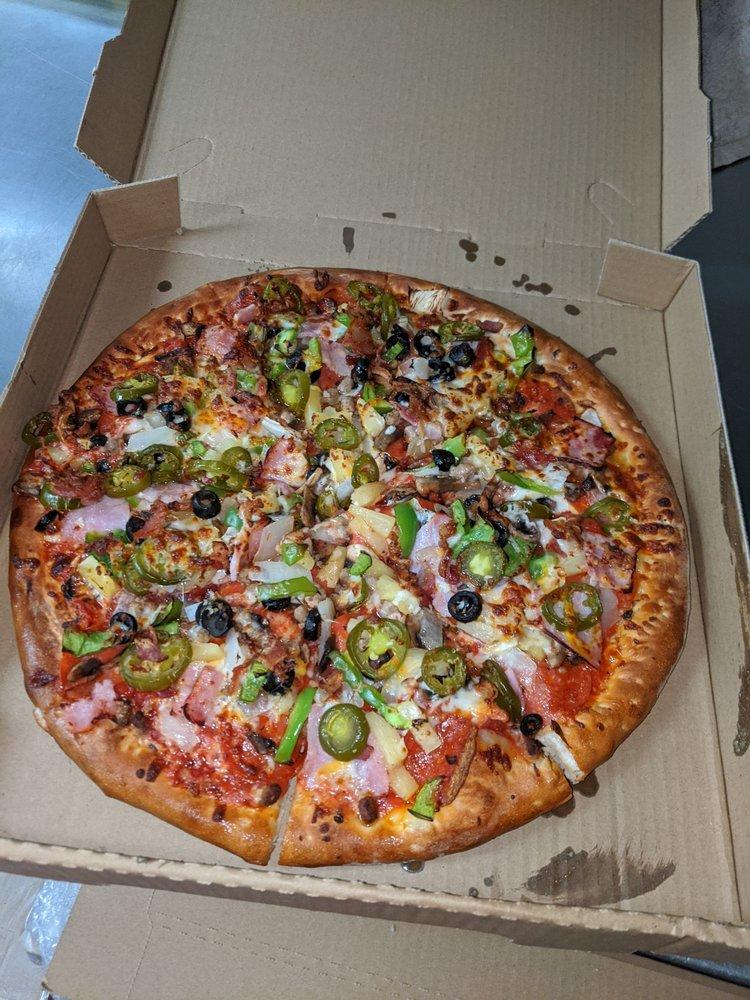 New Milenio Pizza: 8532 Long Beach Blvd, South Gate, CA