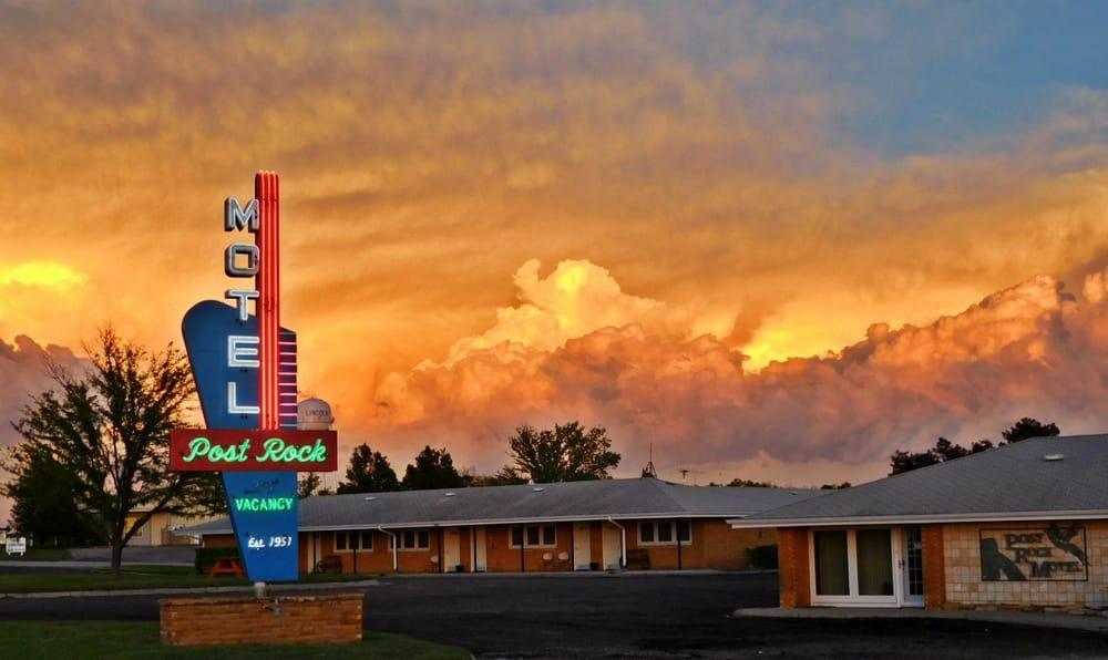 Post Rock Motel: 1907 E Highway 18, Lincoln, KS
