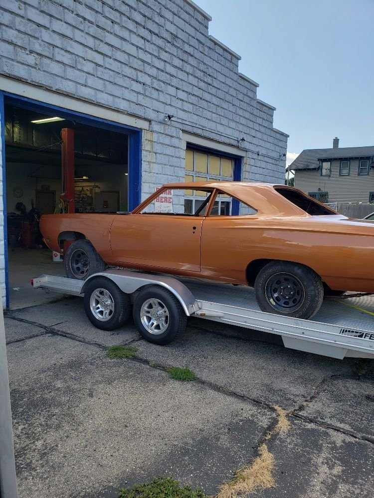 Steve's Auto Body: 1104 Saint Lawrence Ave, Beloit, WI