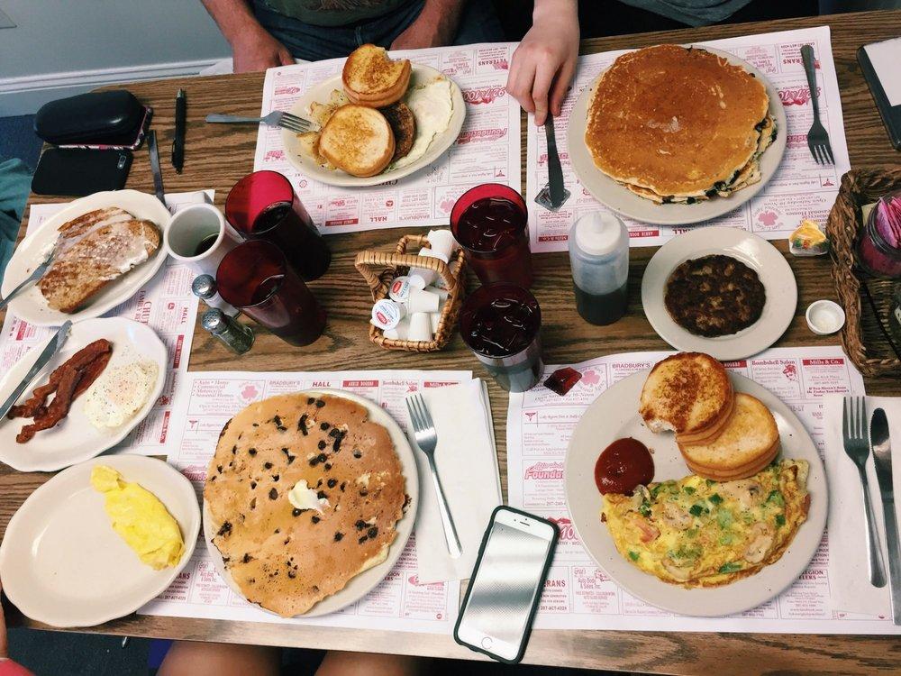 Photo of Chute's Family Restaurant: Windham, ME