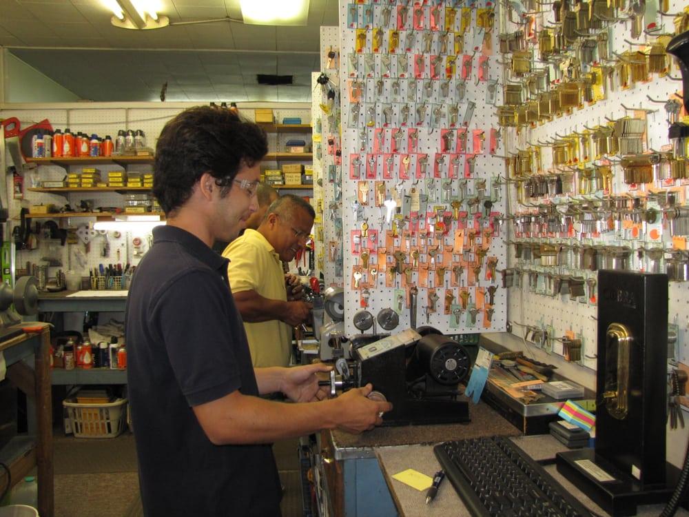 Associates Lock & Safe Service: 2016 G St, Merced, CA
