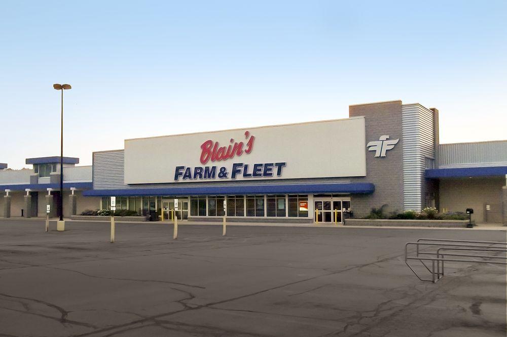 Blain's Farm & Fleet - Freeport, Illinois: 1755 S West Ave, Freeport, IL