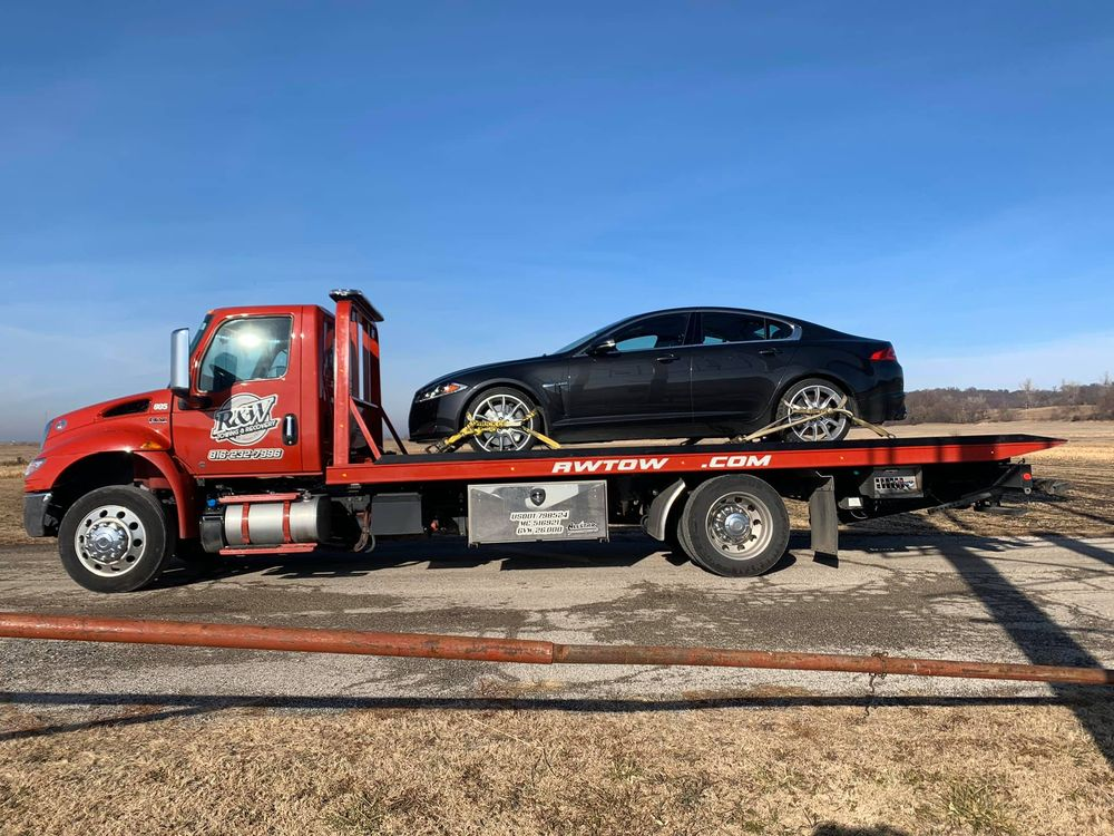 R&W Towing & Recovery: 1214 S 9th St, Saint Joseph, MO