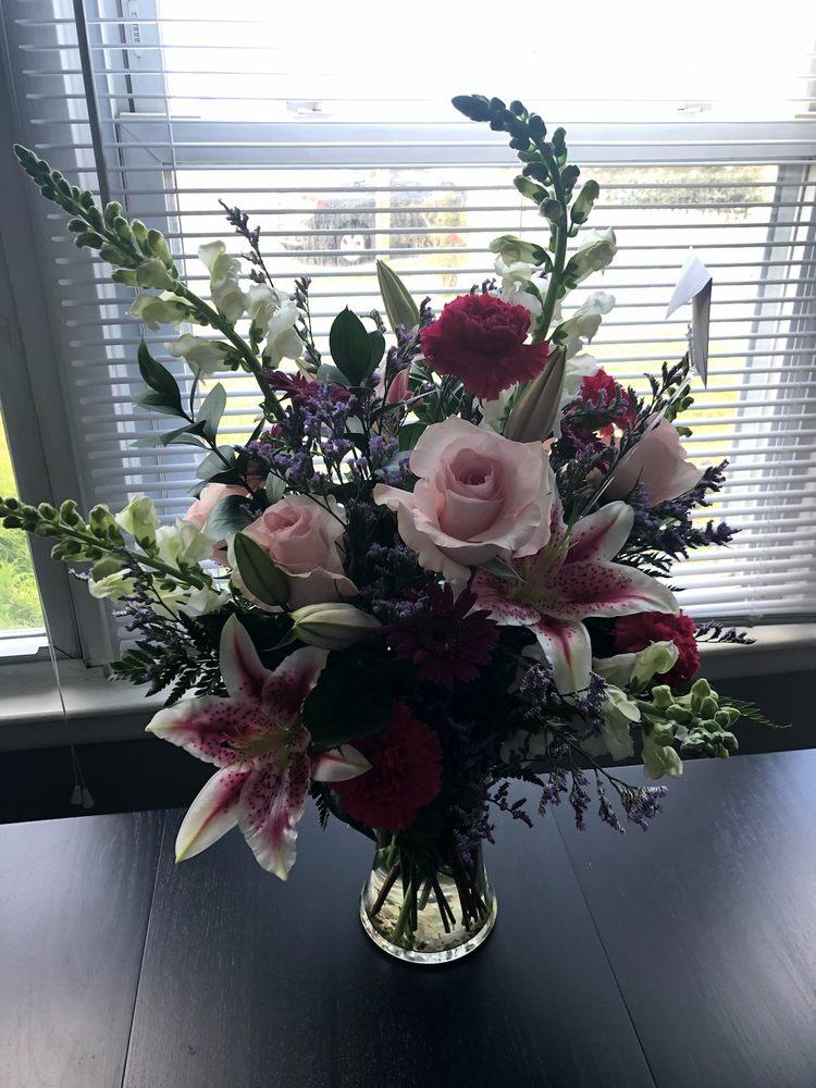 Bella Rosas Florist: 902 W Brigantine Ave, Brigantine, NJ