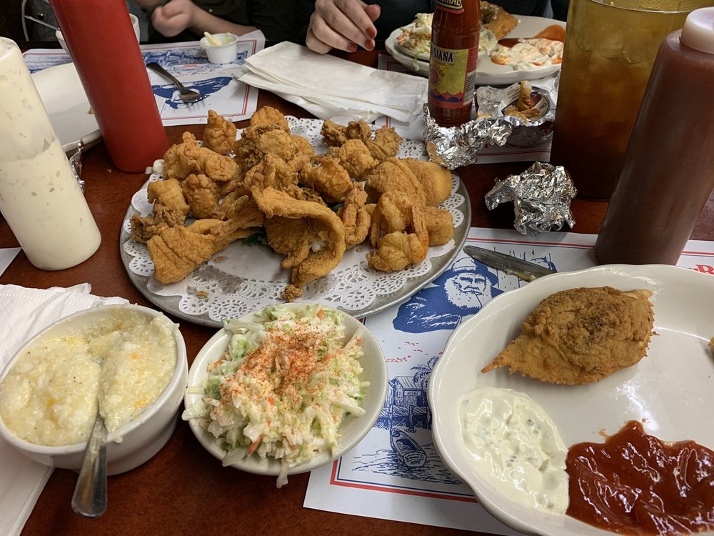 Cedar River Seafood: 542500 US 1, Callahan, FL