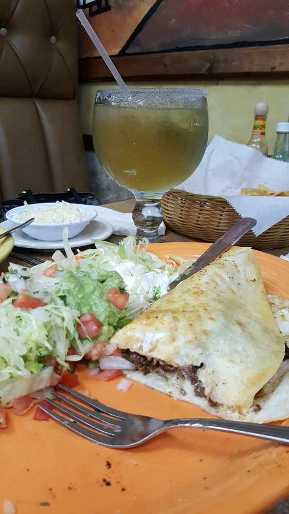 JalisCo Mexican Restaurant: 411 W Buchanan, California, MO