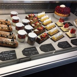 Photo de Pâtisserie Rhubarbe , Montréal, QC, Canada. Pastry case selection  (1