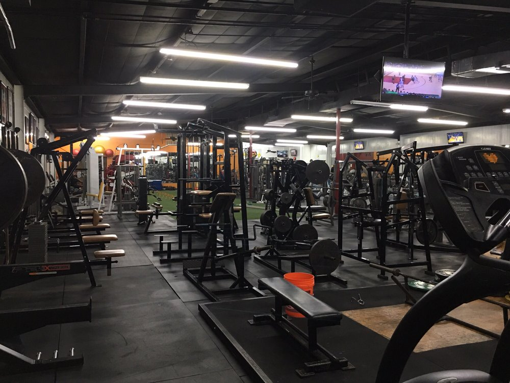 Hank's Gym: 5320 Elm St, Houston, TX