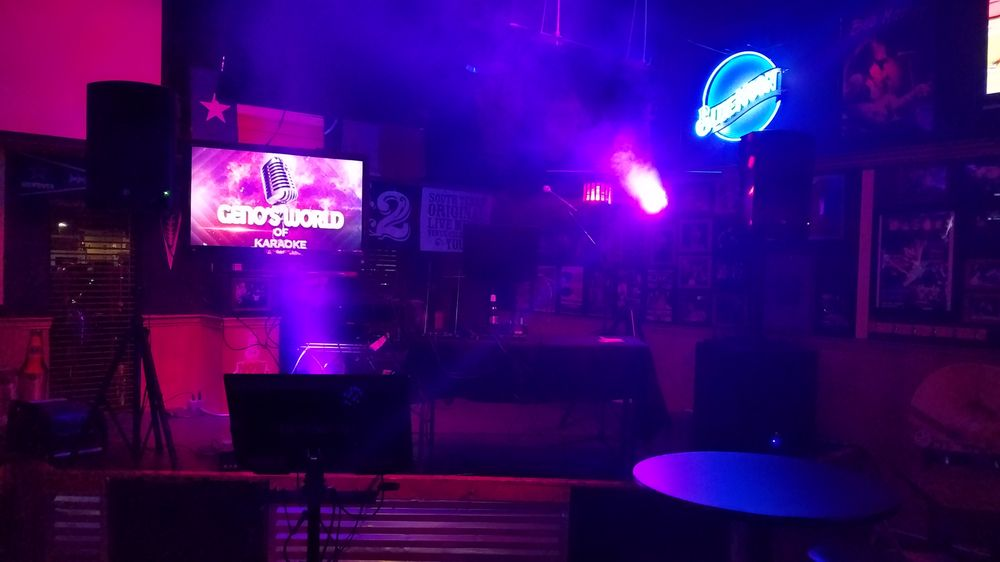 Geno's World of Karaoke: Laredo, TX
