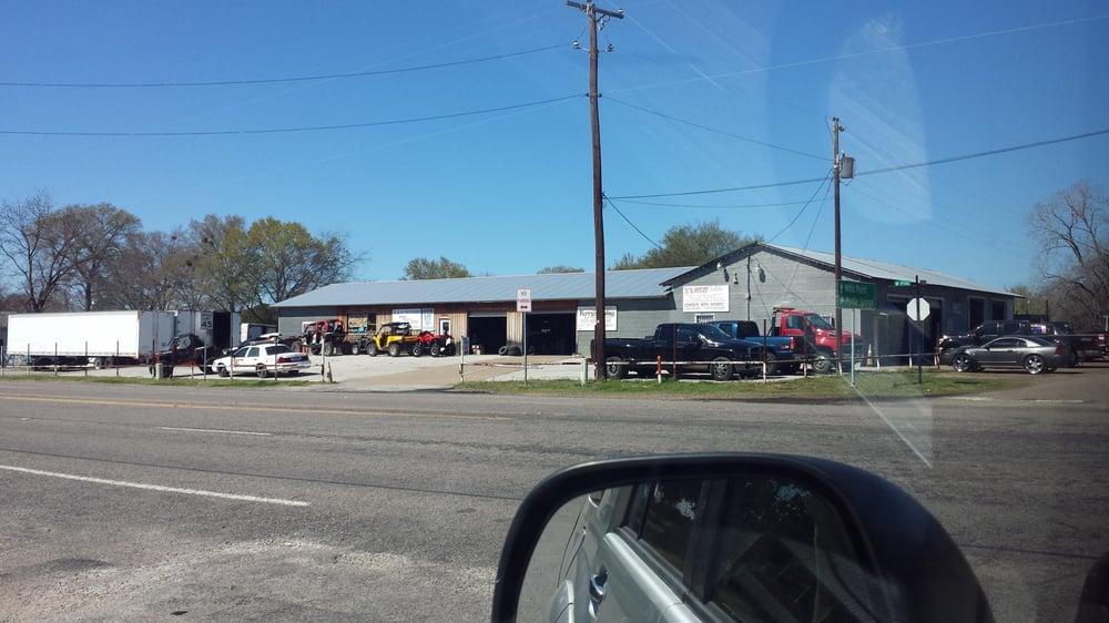B & B Motors: 302 W Pine St, Edgewood, TX