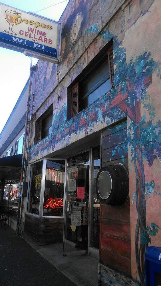 Oregon Wine Cellars Etc: 155 S Broadway, Coos Bay, OR