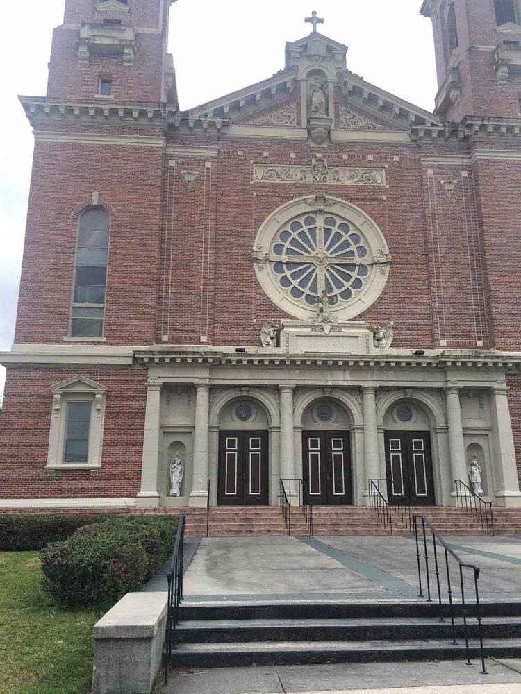 St Joseph Co-Cathedral Catholic Church: 721 Canal Blvd, Thibodaux, LA