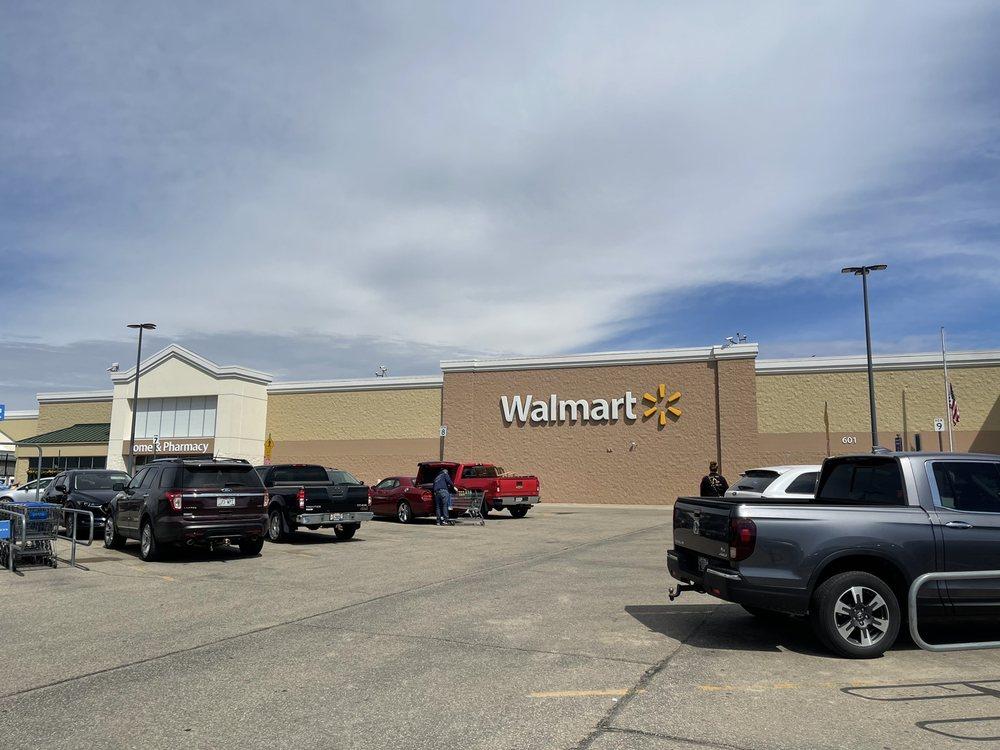 Walmart Supercenter: 601 E Leffler St, Dodgeville, WI