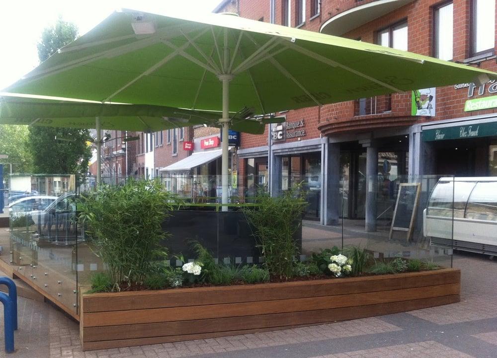 Terrasse ext rieur sur la place nicolai yelp for Commerce exterieur belgique