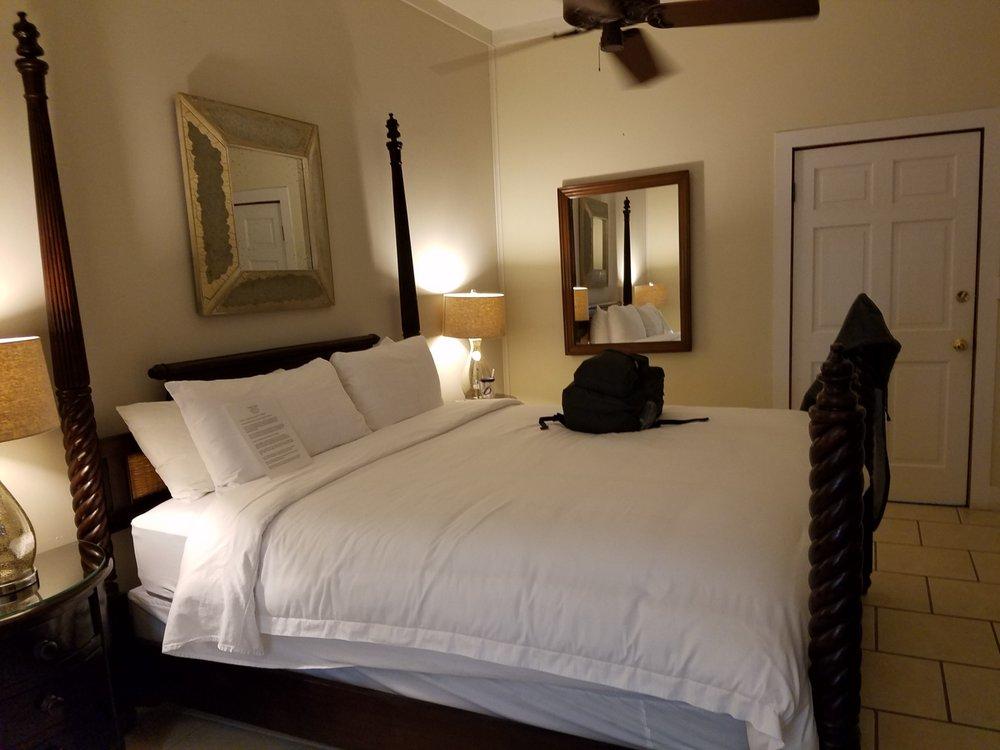 L'habitation Guest House: 408 Eaton St, Key West, FL