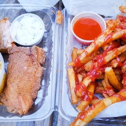 Bed stuy fish fry 48 photos 101 reviews fish chips for Bed stuy fish fry menu