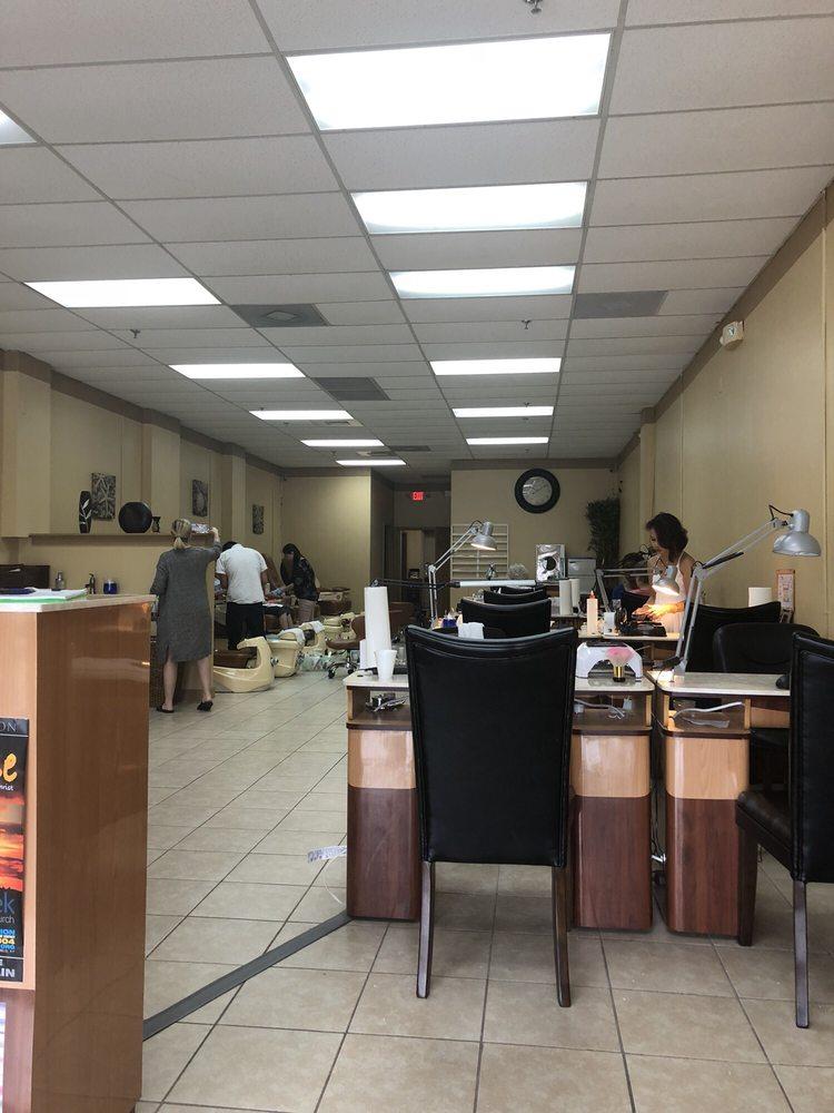 Anna Nails: 2807 Lone Oak Rd, Paducah, KY
