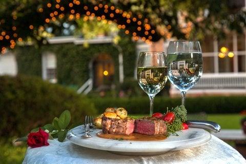 Abingdon Manor Restaurant: 307 Church St, Latta, SC