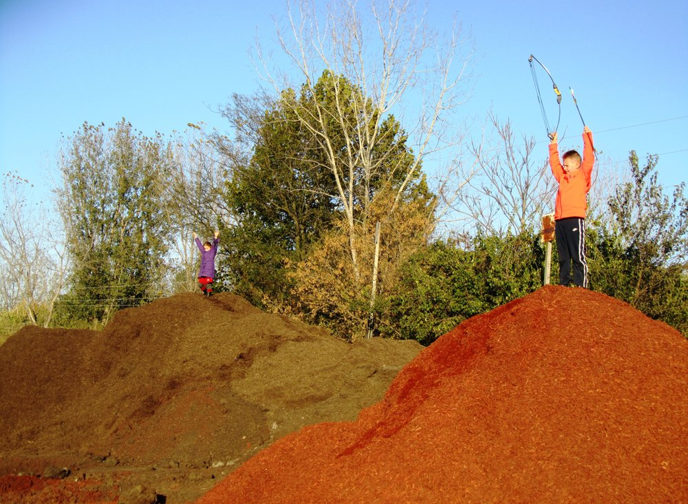 Mad River Topsoil & Mulch: 5625 Old Lower Valley Pike, Springfield, OH