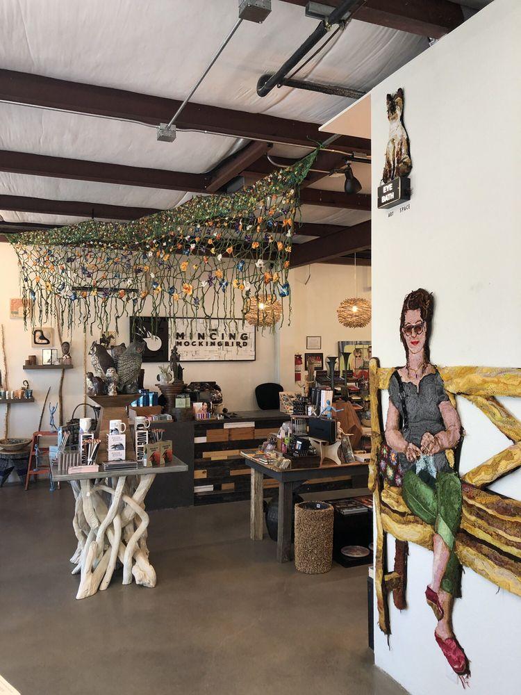 The Mincing Mockingbird: 61675 Twentynine Palms Hwy, Joshua Tree, CA