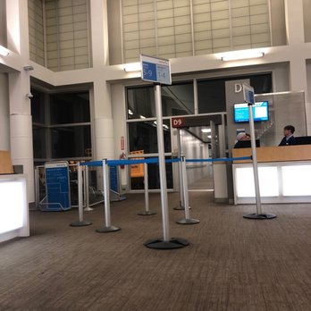 a4e0ebc61ca9 Seattle-Tacoma International Airport - SEA - 2817 Photos   2643 ...