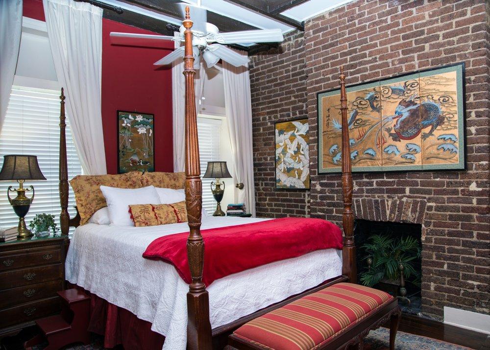 Savannah Bed And Breakfast Inn  W Gordon St