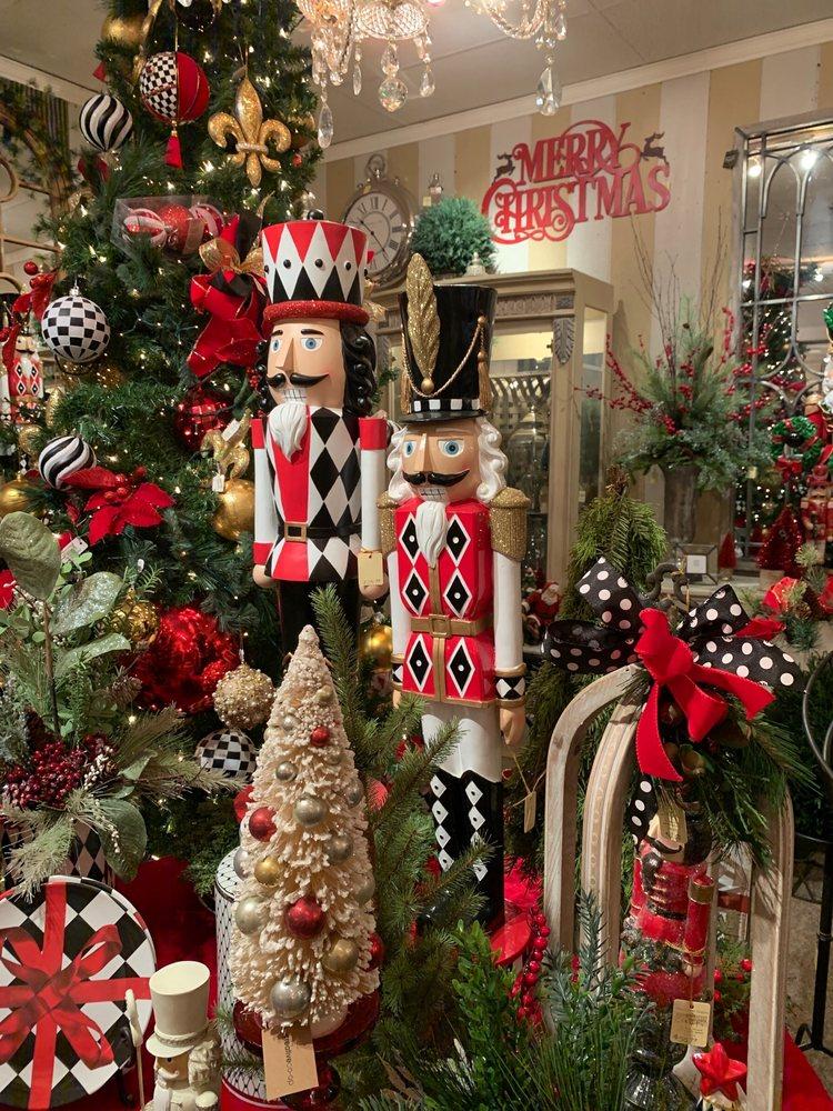 The Village Shoppes: 129 E Michigan, New Carlisle, IN