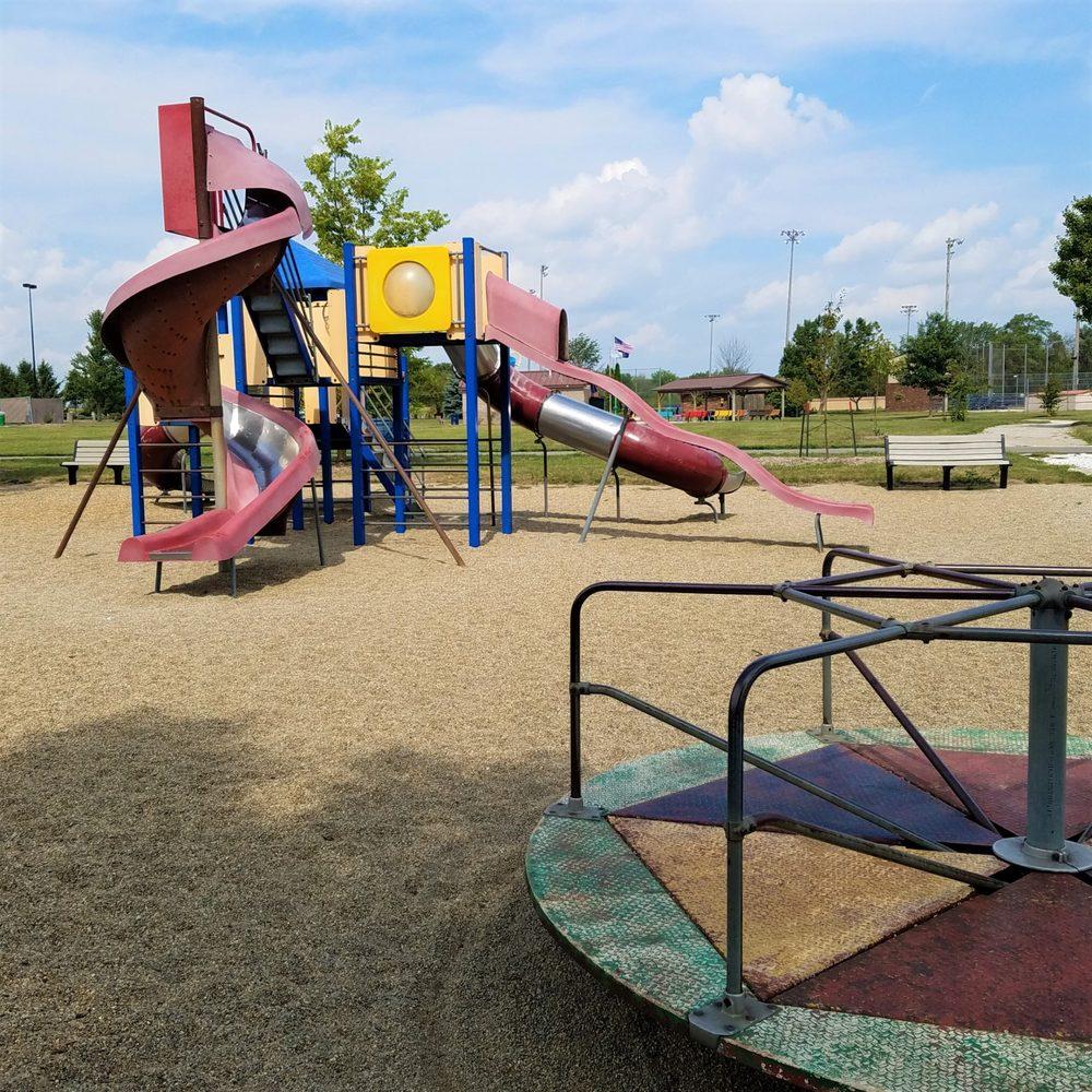Remington Community Park: 16505 S 630 W, Remington, IN