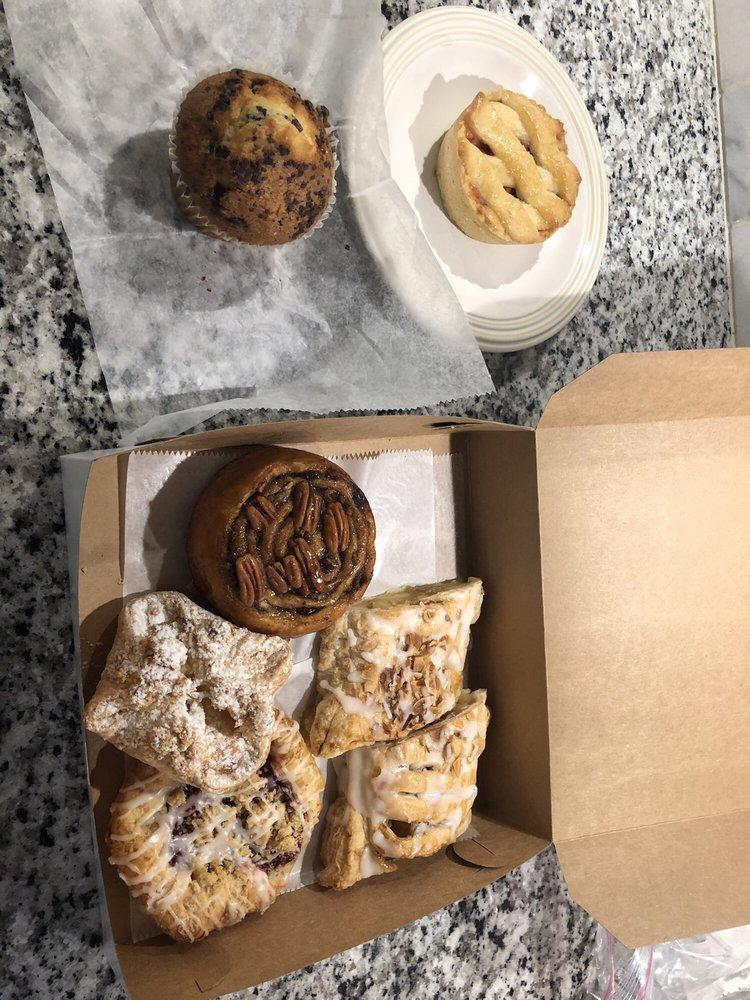 City Cafe & Bakery: 215 Glynn St S, Fayetteville, GA