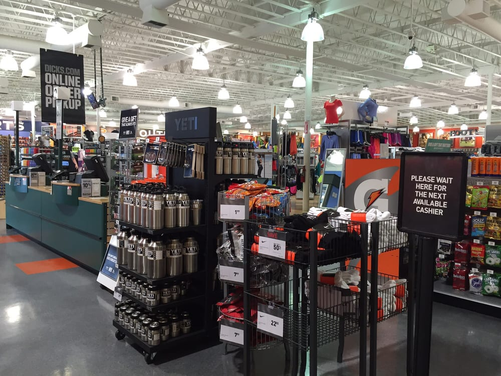 DICK'S Sporting Goods: Cascade Village Shopping Ctr, Bend, OR