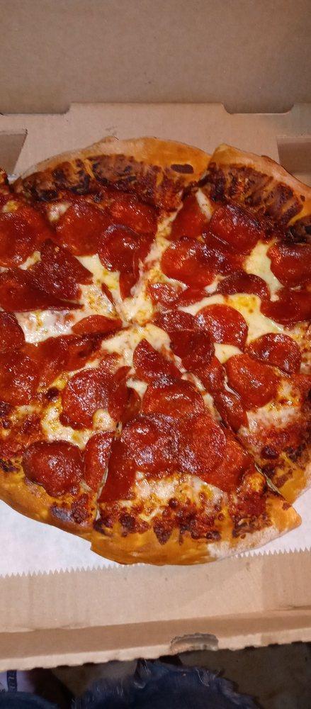 Pizza Round-Up: 11806 Loma Rica Rd, Loma Rica, CA