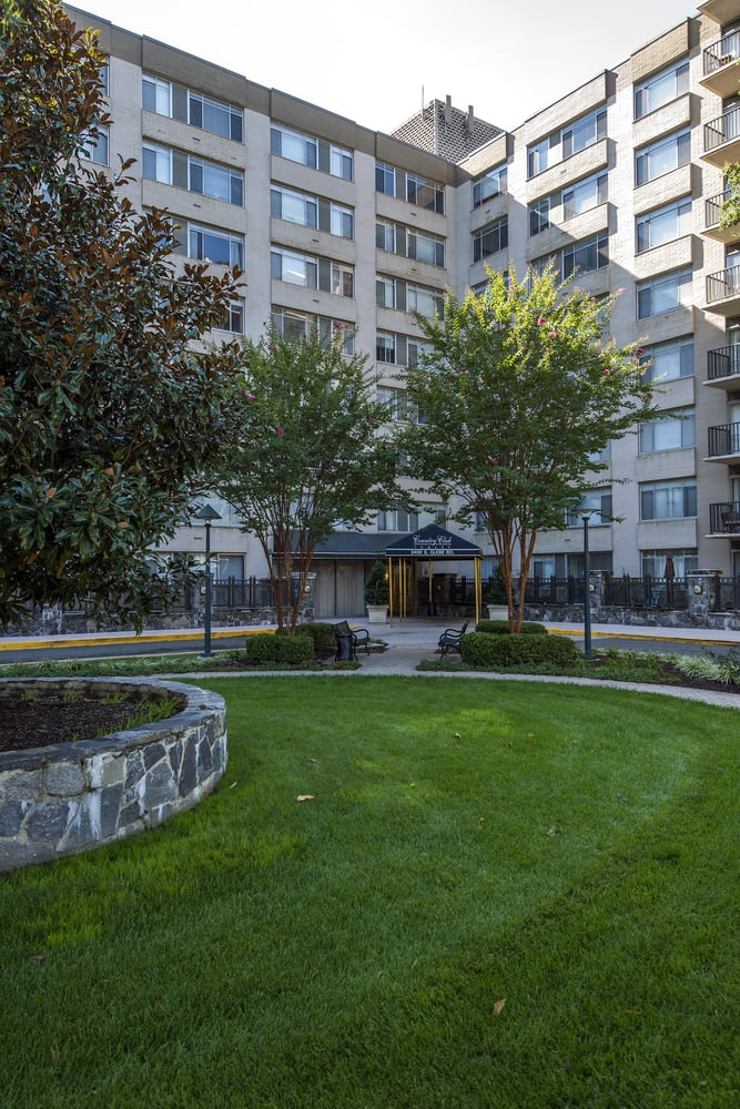 Country Club Towers - 27 Photos - Apartments - 2400 South Glebe Rd ...