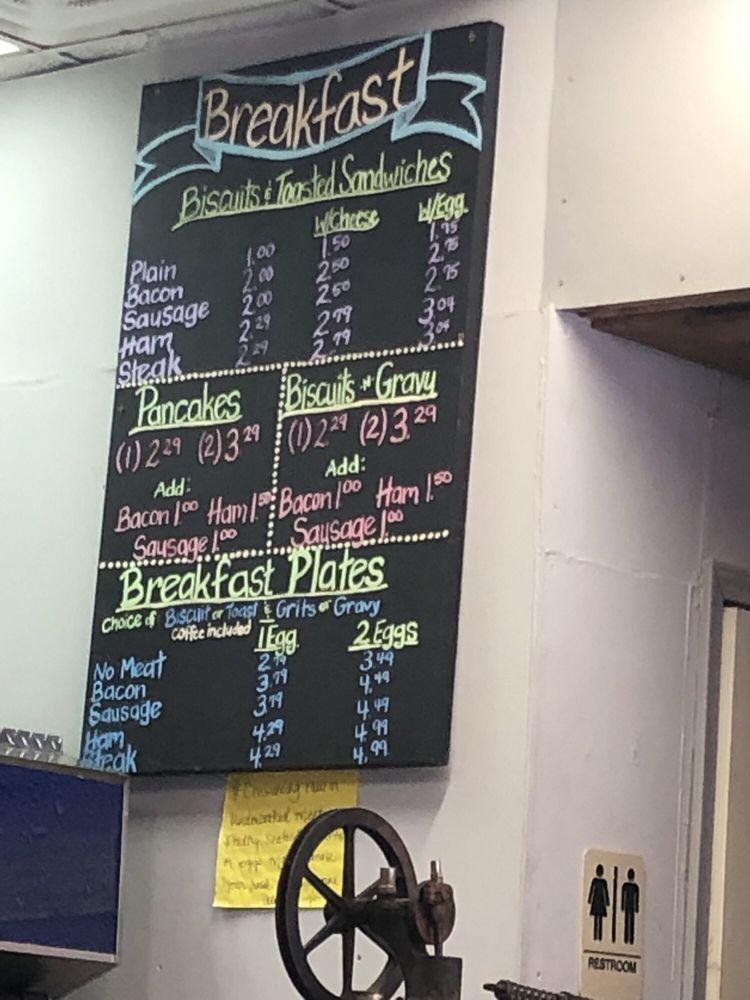 Regina's Savannah Grill: 101 N Cox Ave, Calhoun Falls, SC