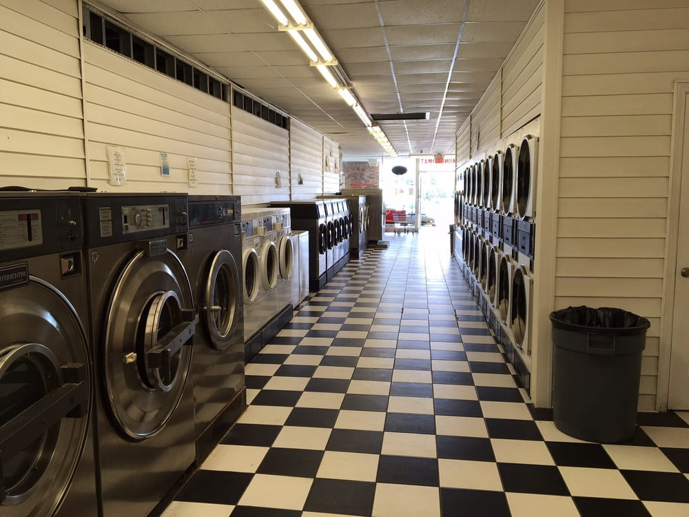 Withlacoochee Coin Laundry: 664 S Broad St, Brooksville, FL