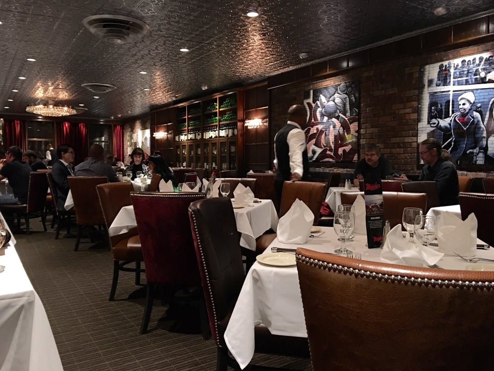 Moishe s steakhouse 203 foton 173 recensioner for Boutique meuble rue st laurent montreal