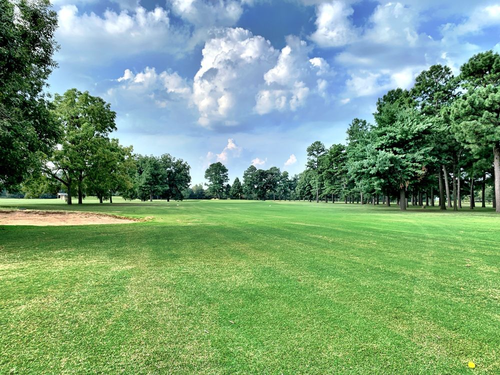 Malden Country Club: 2990 Stuart St, Malden, MO