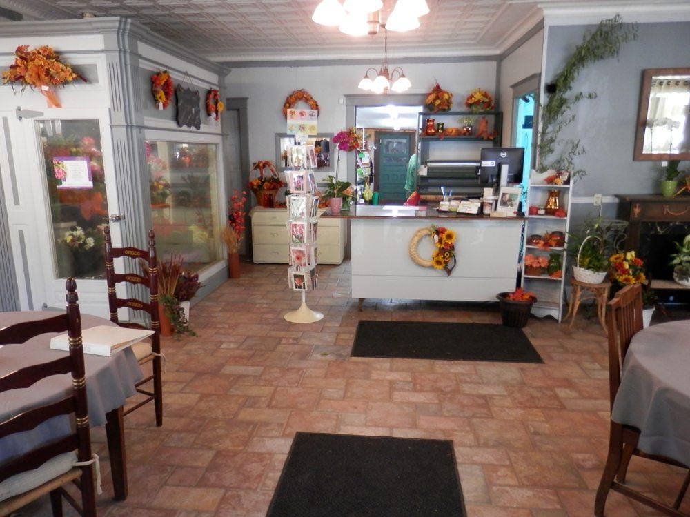 Felthousen's Florist & Greenhouse: 250 Columbia St, Cohoes, NY