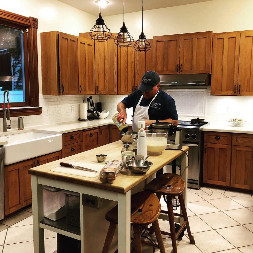 The Duncan House Bed & Breakfast: 1117 State St, Saint Joseph, MI