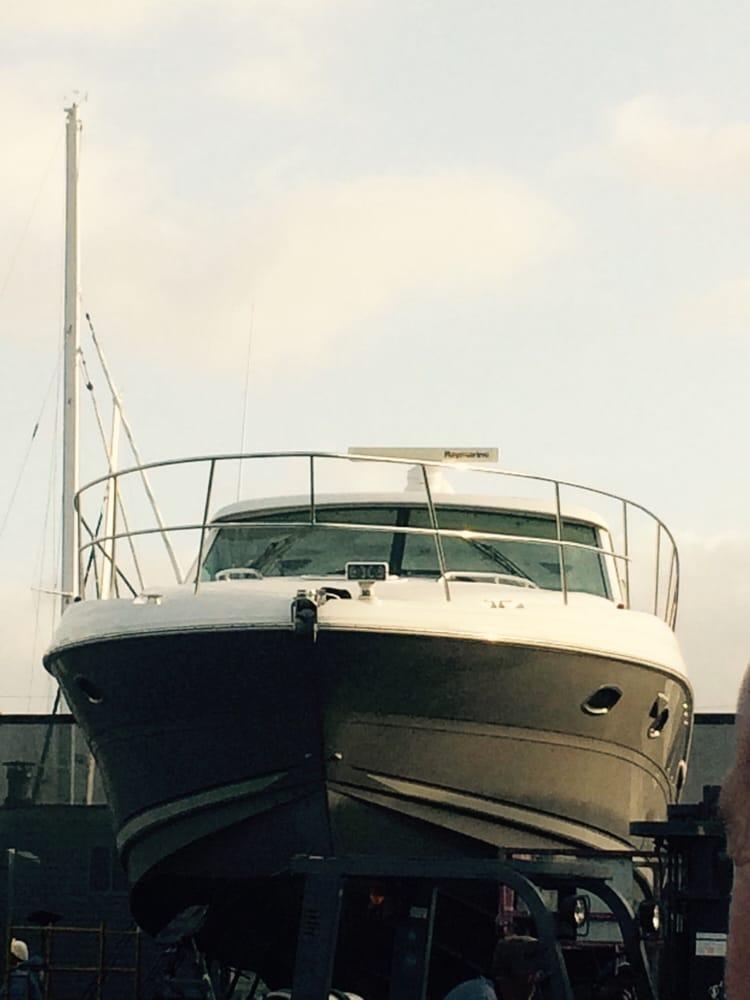 Shelter island boat yard 27 reviews boat repair 2330 for Outboard motor repair san diego