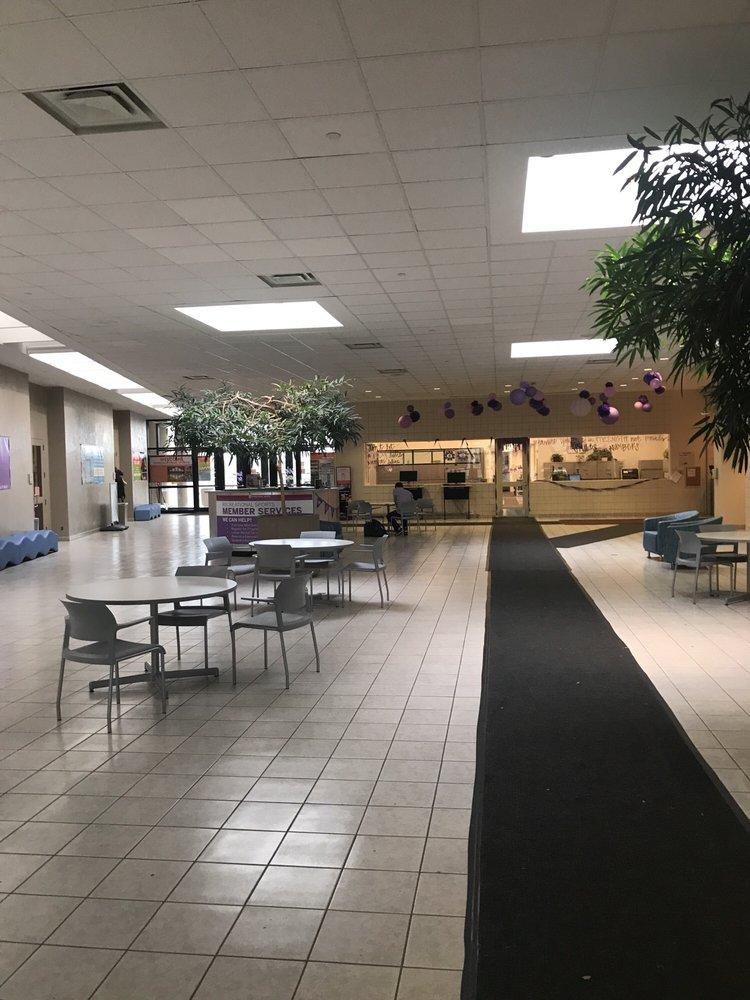 IU Recreational Sports Center: 1601 E Law Ln, Bloomington, IN