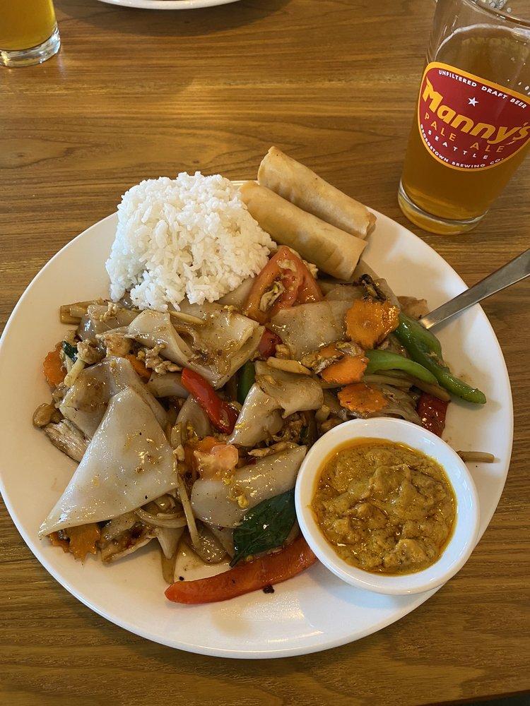Thai and Taps: 115 Avenue A, Snohomish, WA