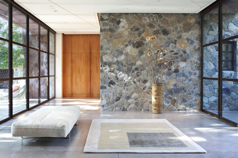 Fieldstone house sonoma ca modern entry interior stone for Wanddeko outdoor