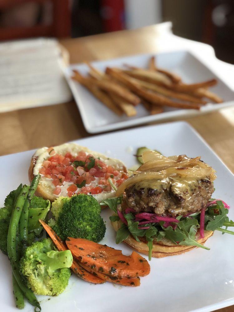 Füse Restaurant & Bar: 1002 Broad St, Augusta, GA